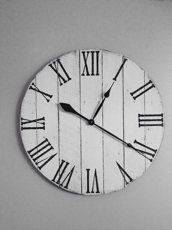 Antique White Pallet Clock Wood Clock by Shabs2RichesVintage
