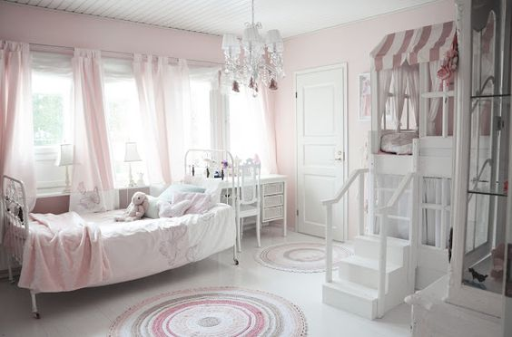 cute loft / reading nook in kids room