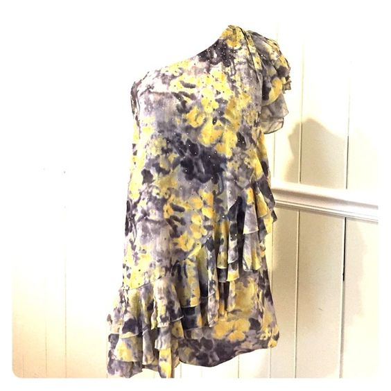 NWOT grey and yellow dress size Small Great movement. Grey and yellow cocktail dress. One shoulder. Non slip lining around chest. Wonderful in winter with a great wrap. Perfect for spring with strappy heels and fun bag. Listed as small but fits a medium. NWOT Dresses One Shoulder