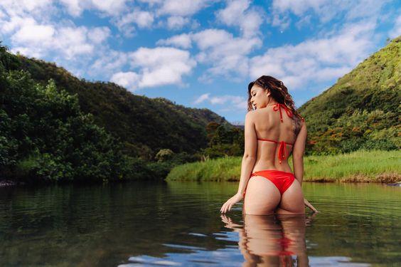 People 1502x1000 Tianna Gregory women model river one-piece swimsuit ass wavy…