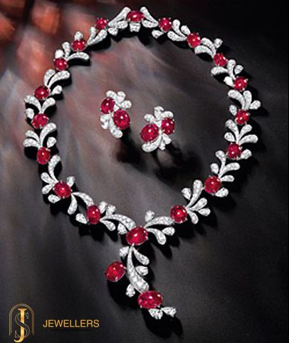 This mesmerizing necklace studded beautifully with ruby and #diamonds, is the epitome of craftsmanship