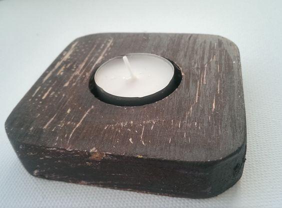 Holzteelichthalter - als kleines Mitbringsel für Balkon oder Terrasse...  http://de.dawanda.com/product/52761803-Teelichthalter-Holz-versch-Farben-individuell