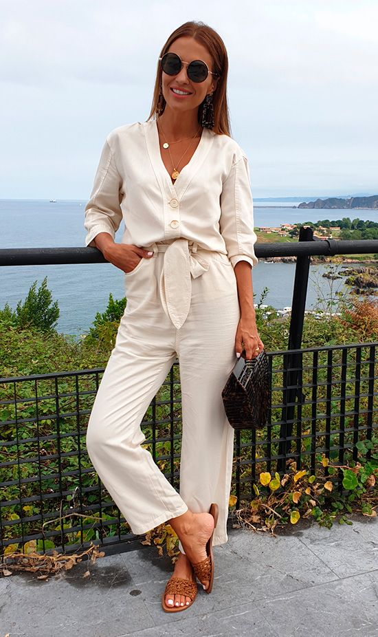 Ivory/ light beige long kimono+brown/ cognac slide sandals+carey effect bamboo handbag+round sunglasses+gold pendant necklaces. Late Summer Dressy Casual Outfit 2018