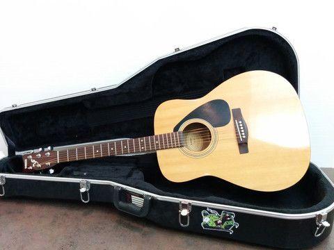 Yamaha F310 Hard Case Exc Acoustic Guitar