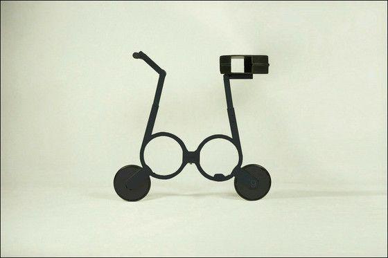 折りたたみ電動自転車「Impossible」 リュックにスッポリ入るサイズ - ライブドアニュース