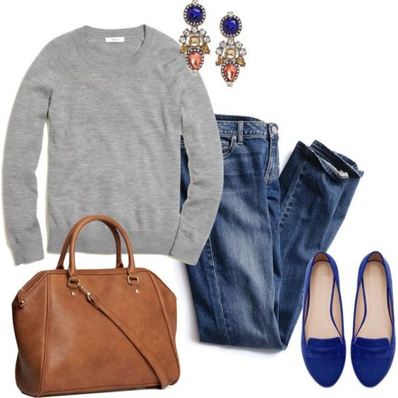 An even more casual outfit that includes skinny blue jeans, a gray sporty sweater and blue electric brogues. Style it up with statement earrings, an oversized leather bag, a sleek ponytail and a classic coat in camel or gray.: