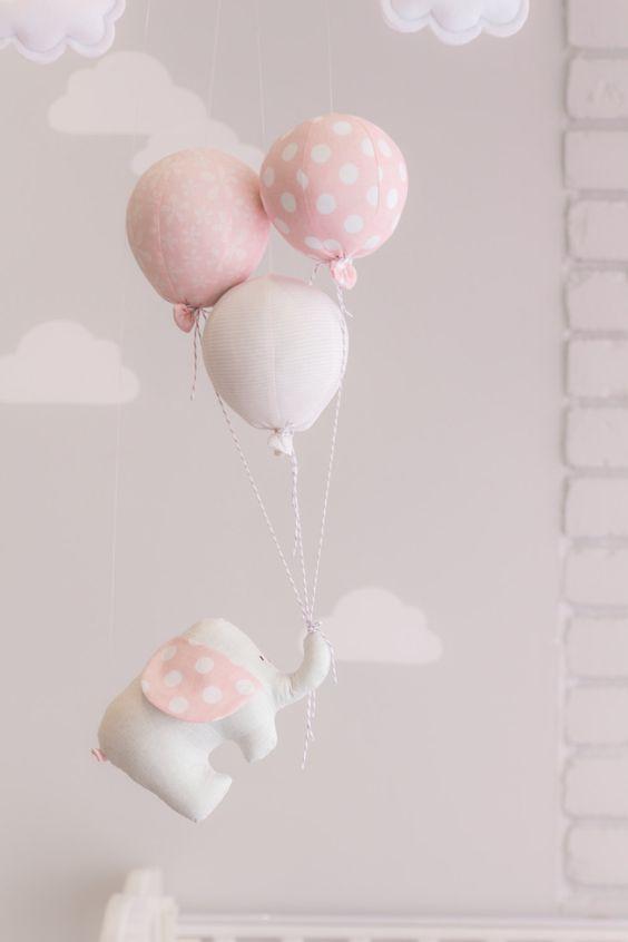 Elefant und Ballon Baby Mobile Rosa und grau von sunshineandvodka