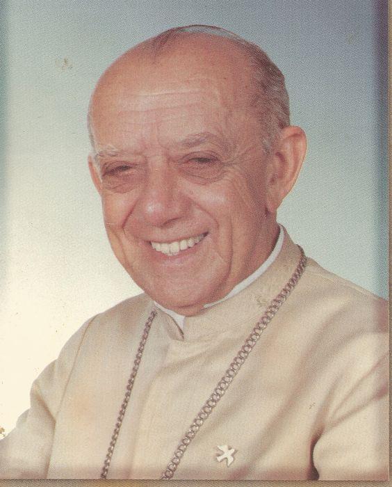 F.G. Saraiva: Oração em favor da beatificação e canonização de Dom Helder Câmara, suplicando graças por sua intercessão.