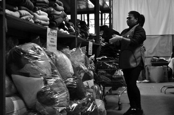Disque Solidariedade - Onde acontece a triagem das roupas doadas para a campanha Doe Calor