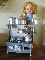 Mini Fogão Icoss e Boneca Xodó anos 60