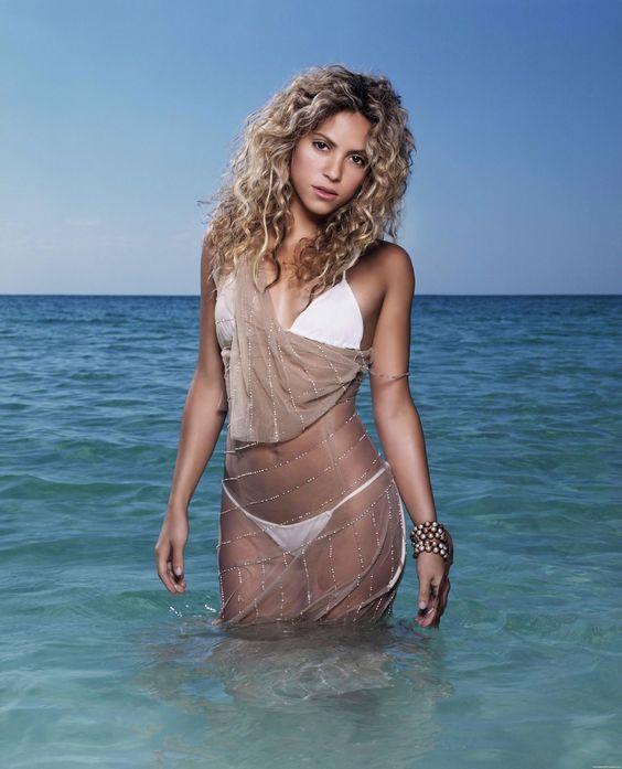 Shakira Is So Hot She Needs That Ocean To Keep Her Cool!!!