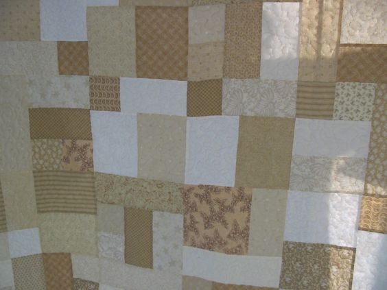King Size Quilt. Yellow Brick Road Pattern.