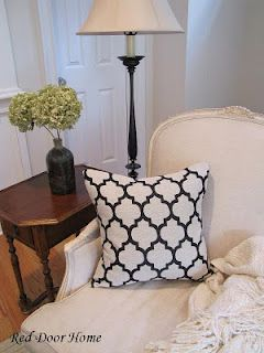 Sewing pillows with invisible zippers...looks a bit complicated but definitely doable!