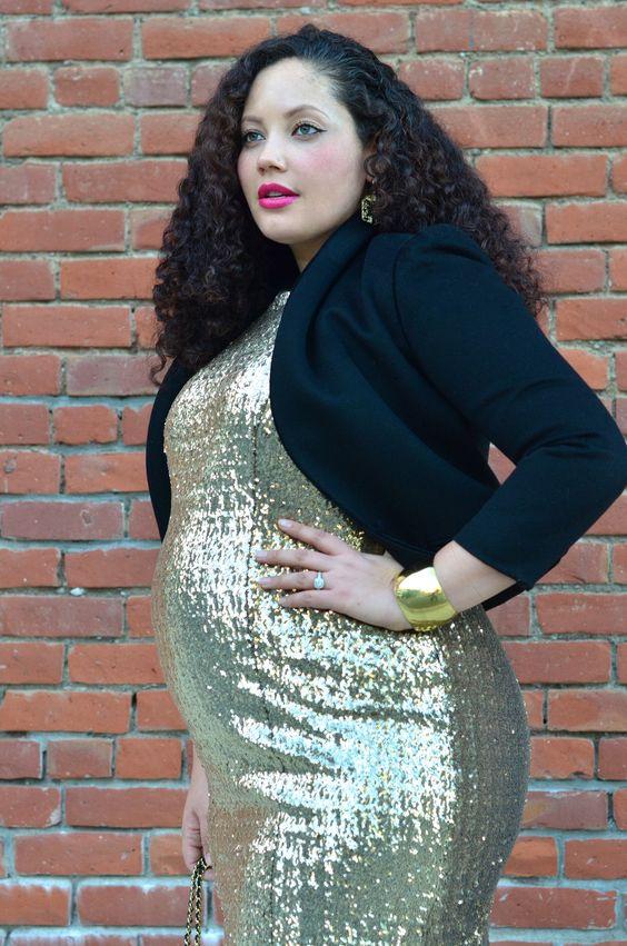 Girl With Curves: Holiday Sparkle #babybump #maternitystyle