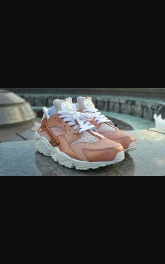 Nike air huarach bronza