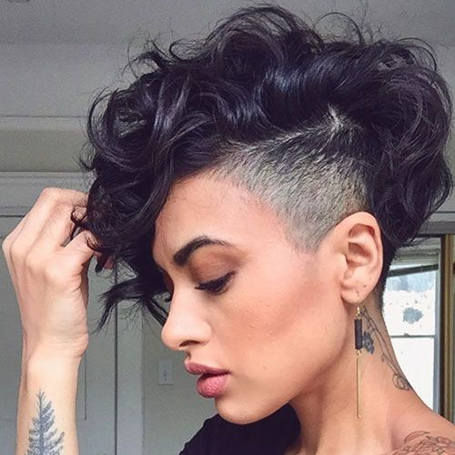 63 Cute Hairstyles For Short Curly Hair Women 2020 Guide In 2020 Short Curly Hair Thick Hair Styles Short Curly Haircuts