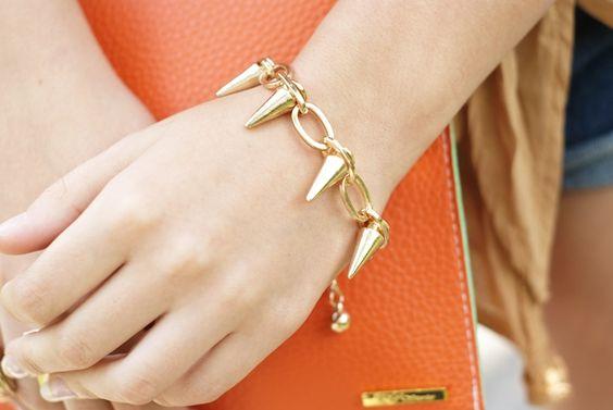 Bracelet http://www.chicnova.com/punk-metal-rivets-bracelet.html
