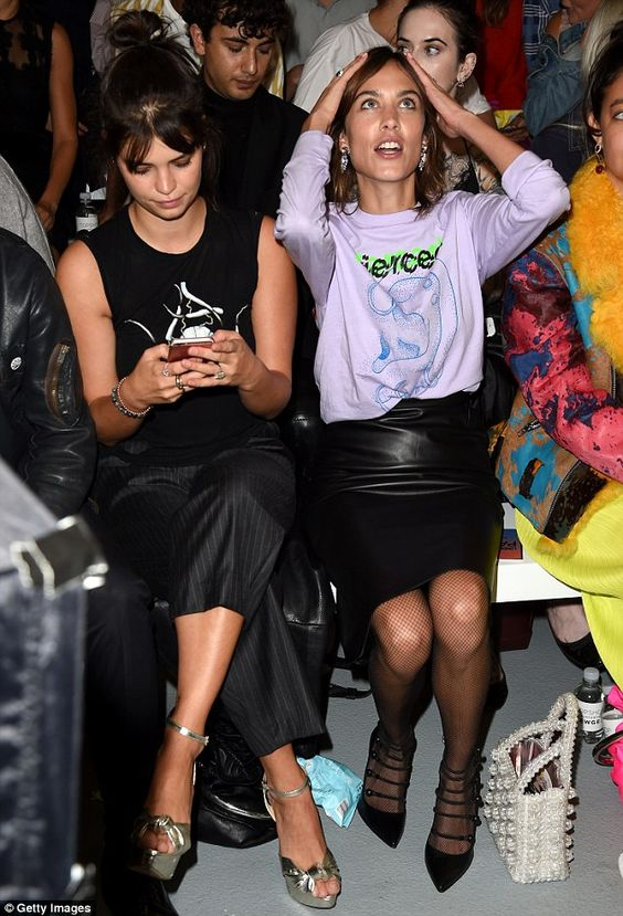Opposite reactions: While Alexa looked enthralled, Pixie was caught scrolling…