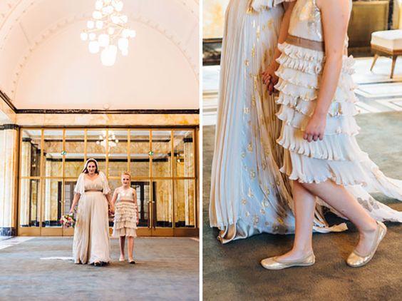 Een bijpassende jurk voor het bruidsmeisje, ontworpen door modeontwerper Mattijs van Bergen // Fotograaf: Bemind fotografie // Girls of honour