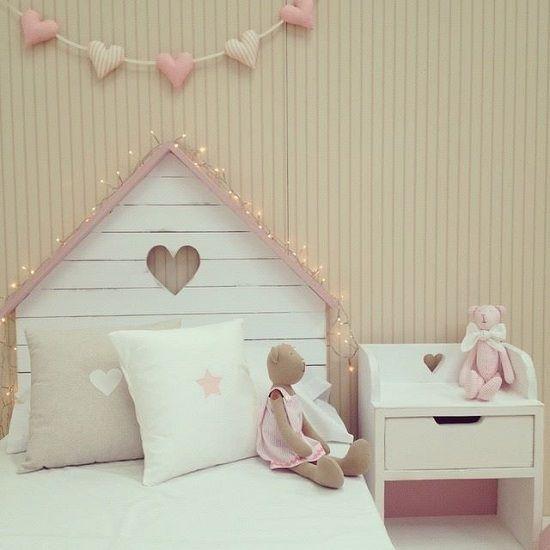 Cabecero de madera en forma de casita http www - Casita ninos segunda mano ...