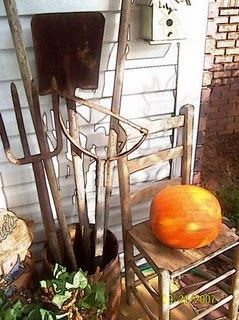 Love old rusty garden tools these were my dad 39 s http for Gardening tools for 6 year old