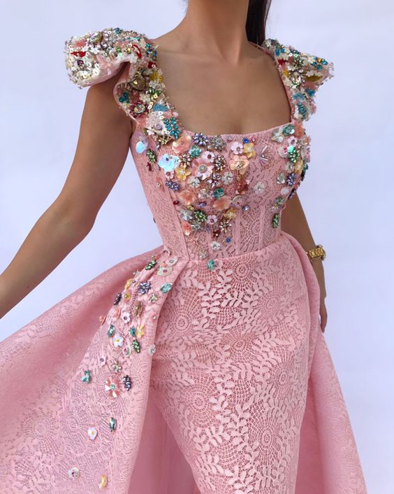 Details - Pink color - 3D MeshNet flowery fabric - Handmade flowers embroidery - Ball-gown dress with waist definition - Party and Evening dress