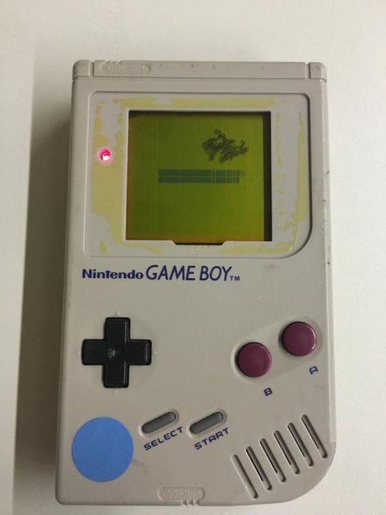 NINTENDO GAMEBOY ORGINIAL POWERS ON L@@K VINTAGE VIDEO GAME RETRO HANDHELD - http://video-games.goshoppins.com/video-game-consoles/nintendo-gameboy-orginial-powers-on-lk-vintage-video-game-retro-handheld/