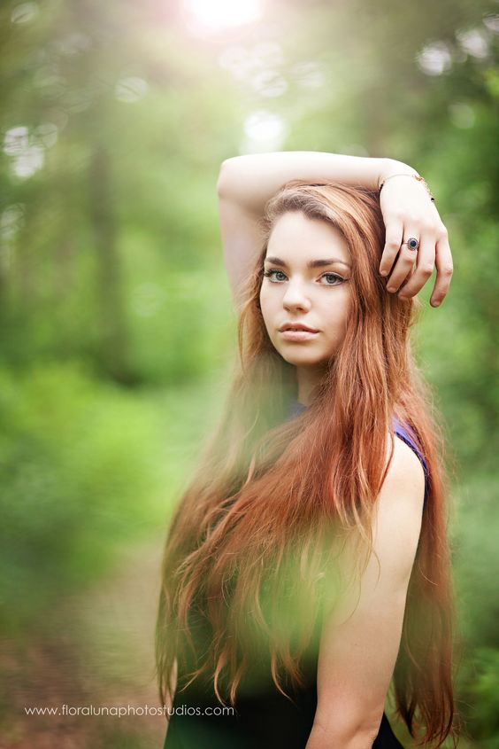 #Floralunaphotography #photography #forestphotoshoot #beautiful #model #seniorposing #seniorgirlphotoshoot #posingwomen #photoshootideas