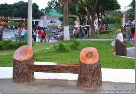 Resultado de imagem para troncos praça