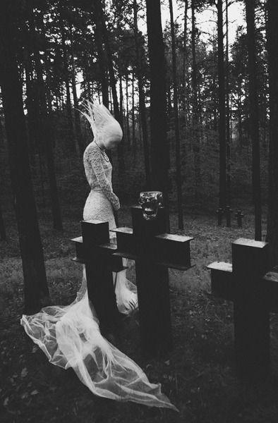 odall:    The White Widow by Masha Sumina   ©.