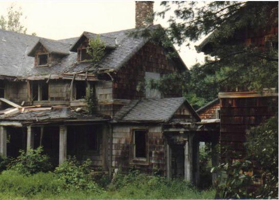 Summerwind: La mansion embrujada - Universo Paranormal