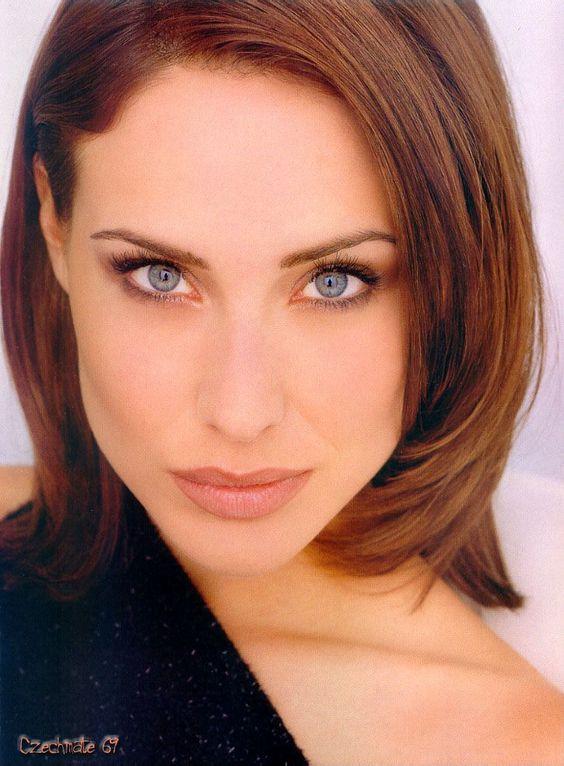 Claire Antonia Forlani (Twickenham, 1º luglio 1972) è un'attrice britannica.da padre italiano originario di Ferrara.