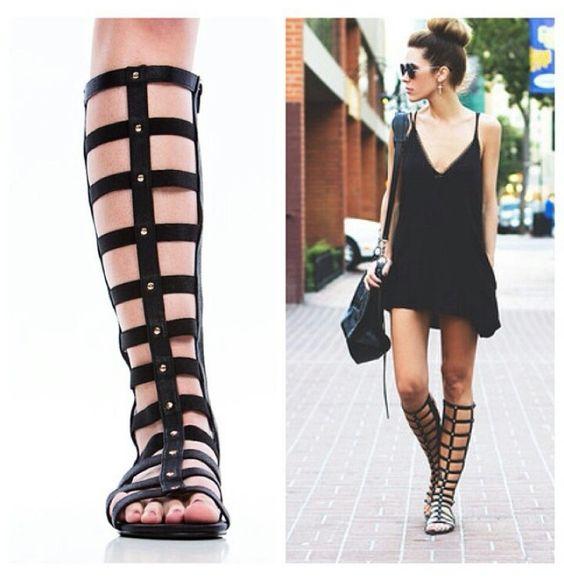 Luv this look... black dress n gladiator sandals ♡