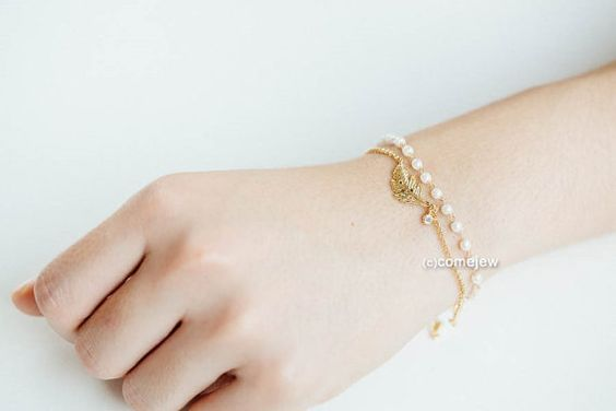 Mini Pearl Leaf Bracelet.