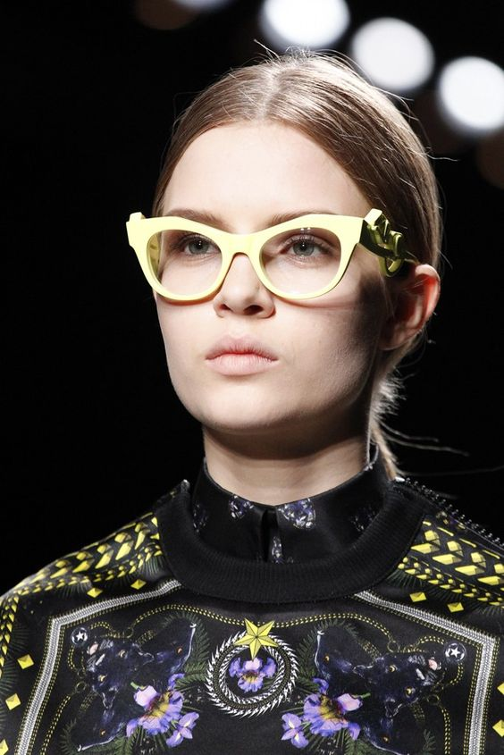 Givenchy Fall 2011 Ready-to-Wear Collection Photos - Vogue