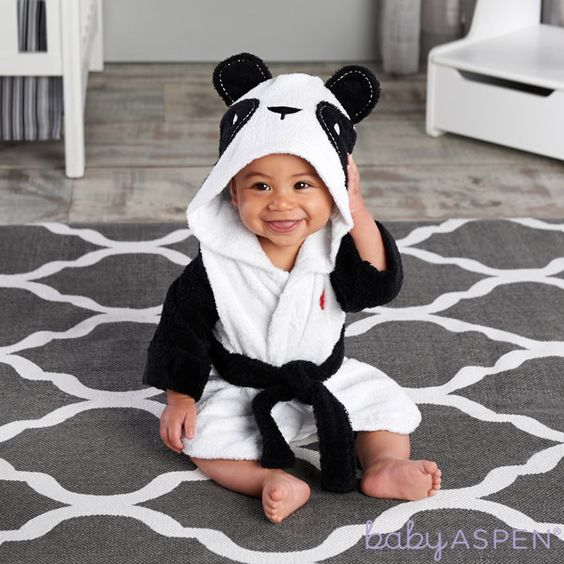 This delightful panda hooded bath robe for baby makes tub time super fun!