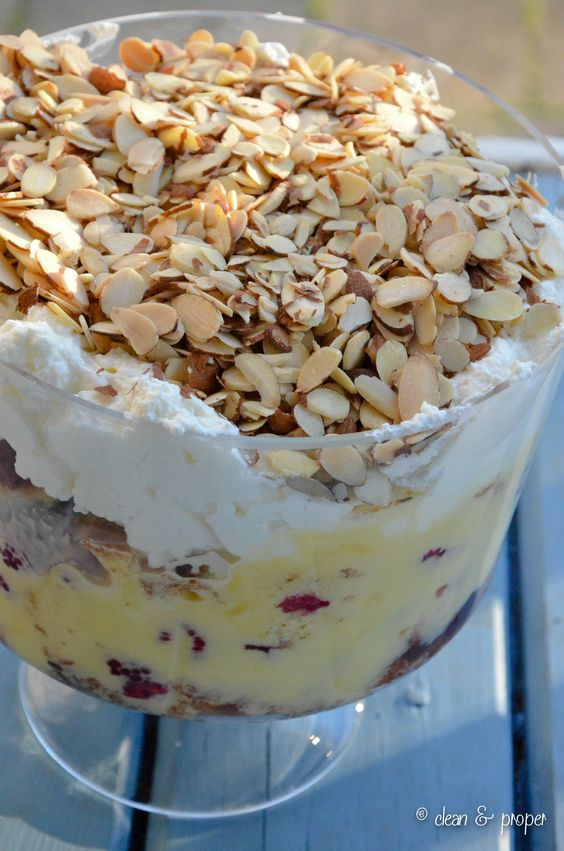 Traditional english trifle for christmas dinner r e c for List of traditional christmas desserts