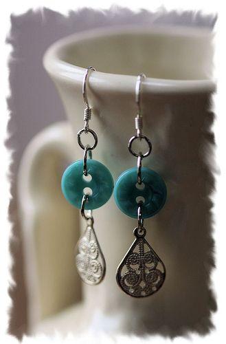 Button earrings, by Debra Packard   . . . .   ღTrish W ~ http://www.pinterest.com/trishw/  . . . .  #handmade #jewelry