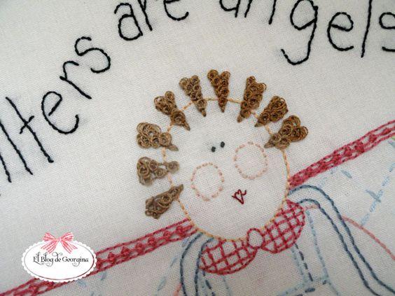 Hace un tiempo empecé a bordar en punto atrás los angelitos de The Freckles Collection, pero no...