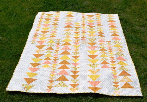 Happy Quilting: Bloggers Quilt Festival - Mellow Yellow: