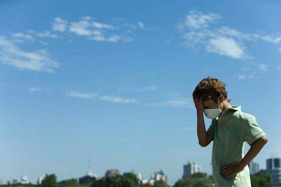 Aumentan los casos de alergia entre niños cada vez más pequeños por el cambio climático   20minutos.es