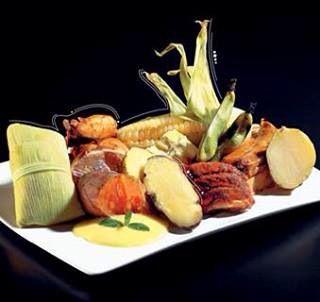 Pachamanca , el plato al tributo a la madre tierra la pachamama en el Tahuantinsuyo el imperio de los incas .