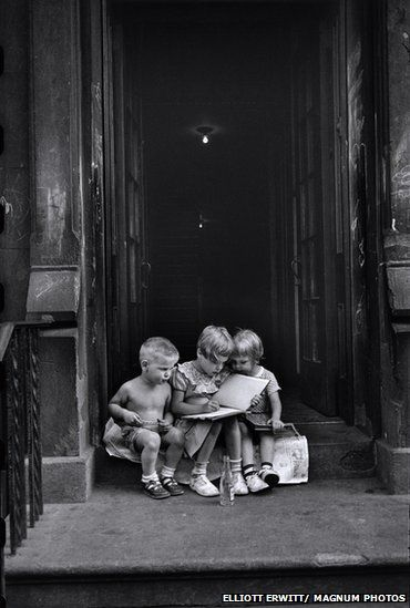 Elliott Erwitt : Children in New York City, 1950