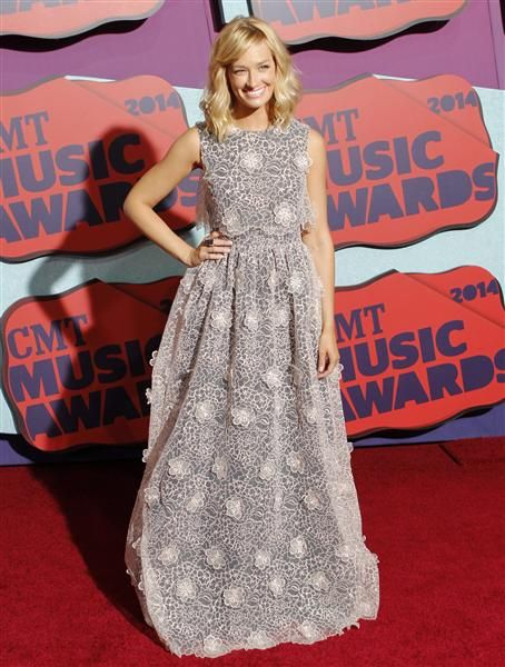 I like the poofiness!  2014 CMT Music Awards | Gallery | Wonderwall