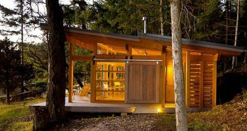 small slanted roof modern cabin modern cabin Pinterest Cabin