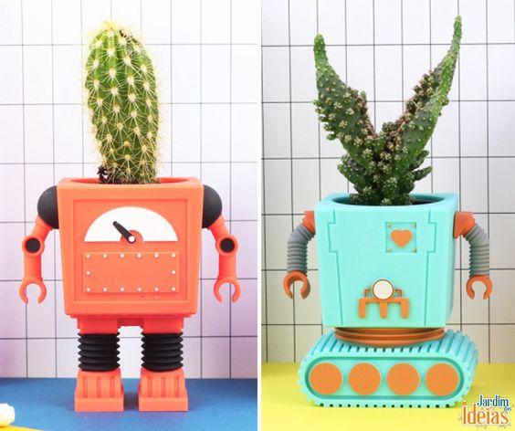 Olha só que bacana esses vasinhos super divertidos em formato de robôs. Dá pra usar na decoração de casa e ainda cultivar mini cactos.