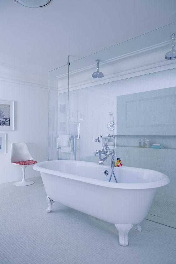 Mariage de l 39 ancien et du moderne baignoire et for Robinetterie retro salle de bain