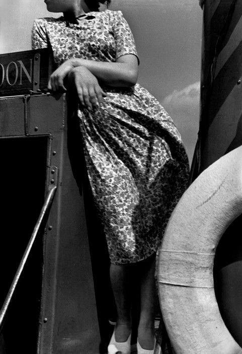 Magnum Photos -  Werner Bischof. On the River Thames, London 1950