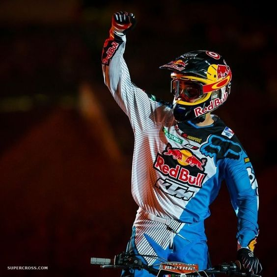 cant believe he lost first in the first moto tonight, all because he forgot the joker lane ... went from first to sixth