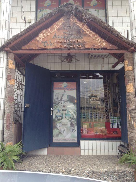 Melabr Collection- Showroom  Accessoires de maison et  Décoration   Immeuble YAHVE JIRE - Riviera III Abidjan, Cote D'Ivoire  + 225 22 47 22 97
